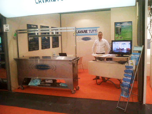 Lavare Tutto showcasing their cleaning capabilities.